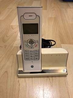 Wireless Indoor Telephone