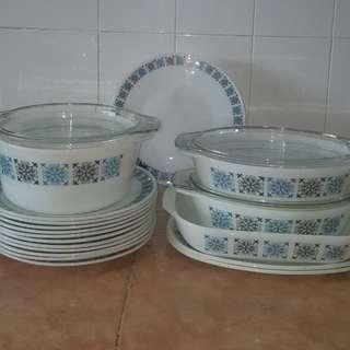 pyrex chelsea plate bowl set 18