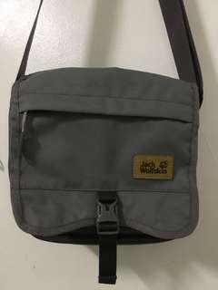 Jack wolfskin 🐾 sling bag