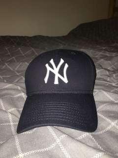 NEW YORK YANKEES CAP - Navy Blue⚡️