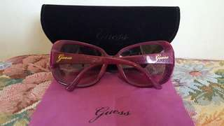 Pre-loved authentic Guess Sunglasses