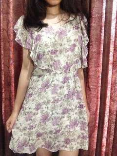 Soft purple&white floral-patterned chiffon dress