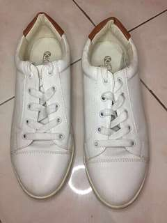WHITE SHOES (Preloved)