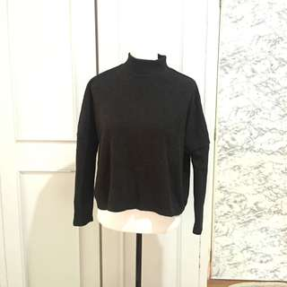 H&M Knit Turtleneck Top size XS on tag fits up to M