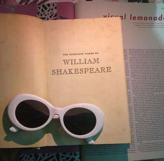 Complete Works of Shakespeare (Volume 1)