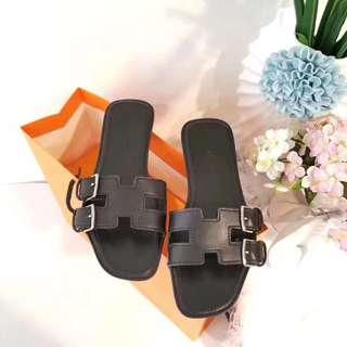 Hermes 18ss春夏新品拖鞋 进口牛皮将中底包合缝纫连接一次成型 真皮大底 35-39 1180