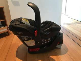 Britax Infant Car Seat ( including isofix car base)