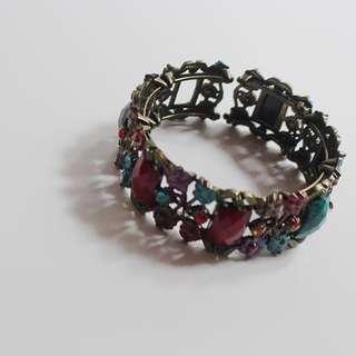 Local bracelet