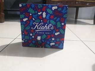 Kiehls package + gift box 💕