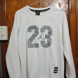 Jordan long sleeve (size small) bought it for 500