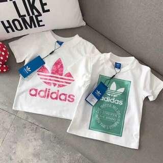 🚼《預》✨寶媽推薦。春夏新品✨ 代購 Adidas 愛迪達 三葉草☘️ 小童大童 經典LOGO 3D印花 短袖T恤上衣