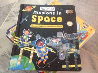 Mission in space-Lift the flap book