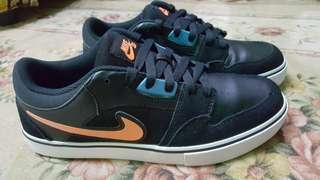 Nike SB ( Authentic )