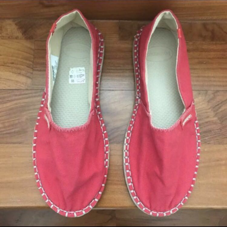 Authentic Havaianas Slip On Shoes