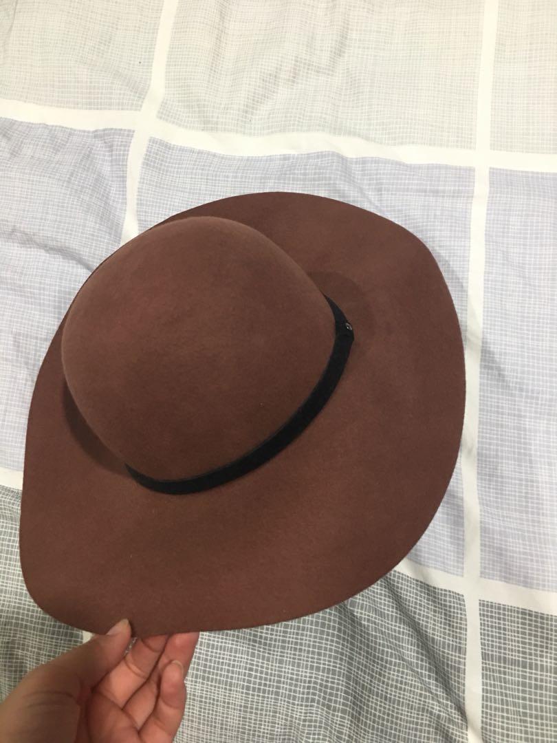 Beach floppy hat