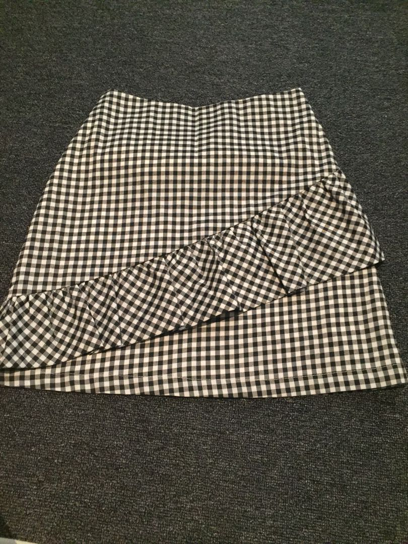Check skirt with frill
