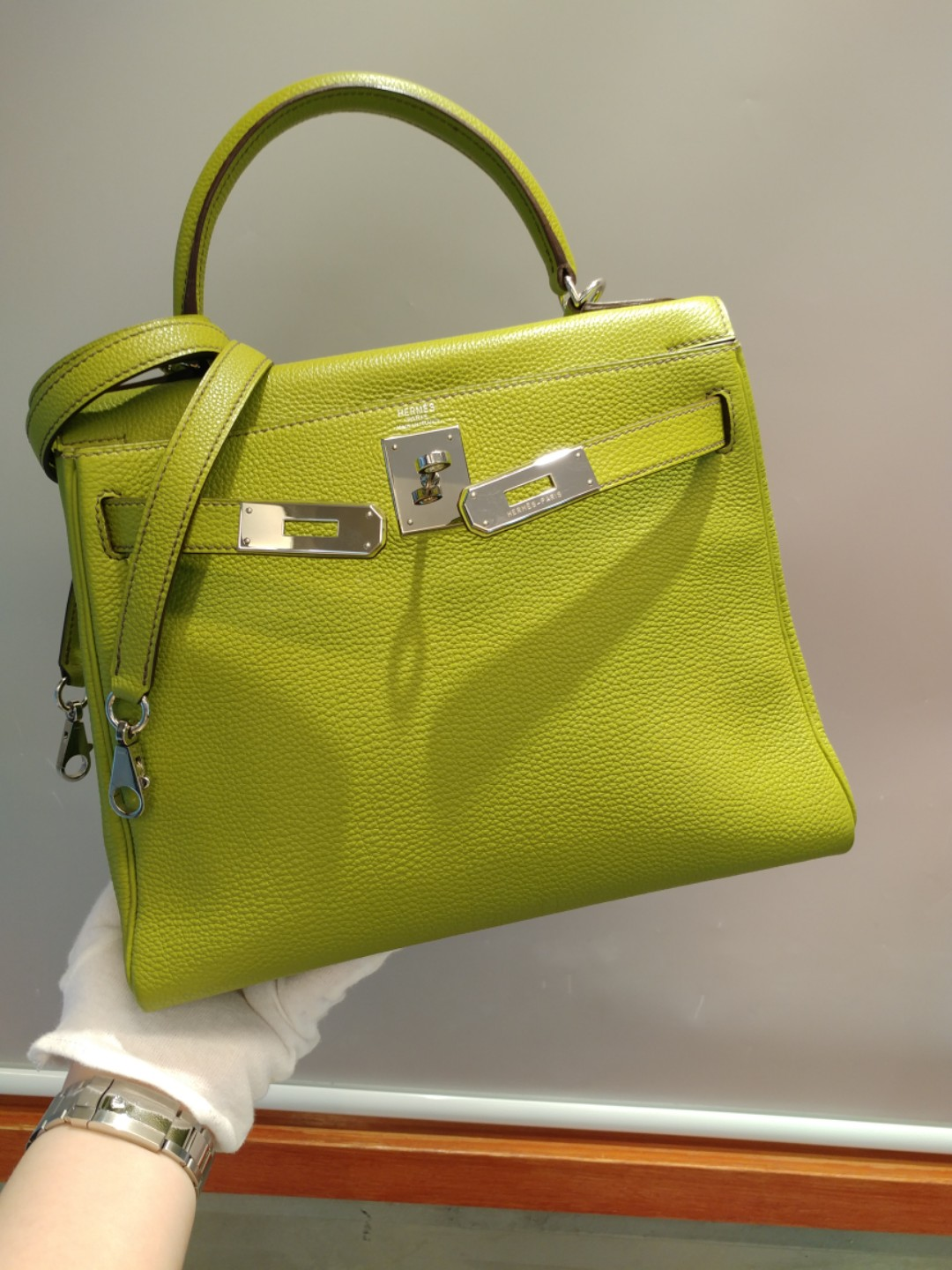 7c55f1f478a3 Hermes kelly 28 anis green togo