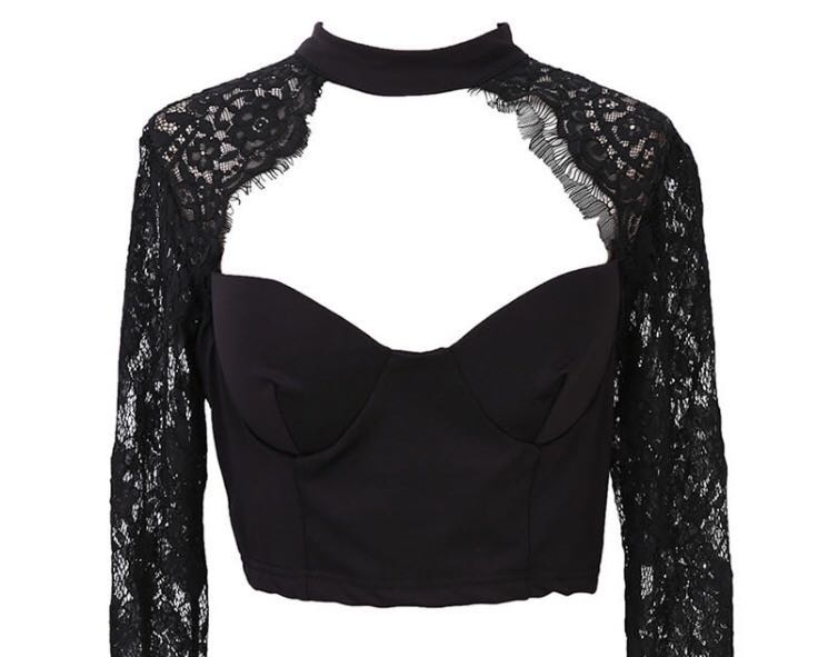 Long Sleeved Black Lace Detailed Top