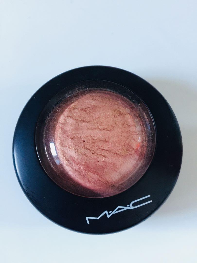 Mac mineralise skin finish / cheeky bronze
