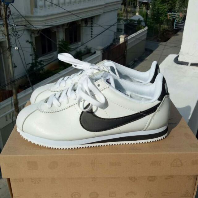 Nike Air Cortez Classic Leather White Black Preloved Fesyen Pria