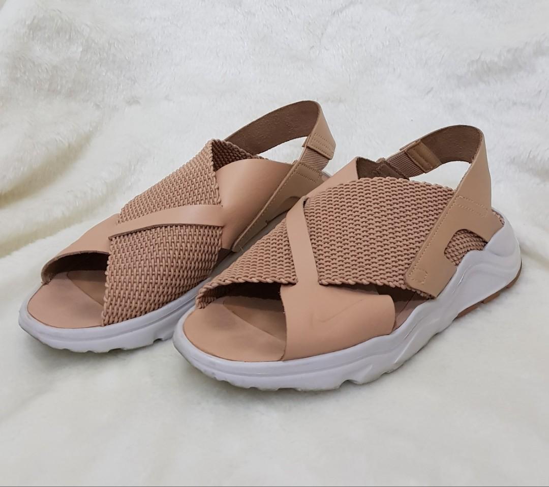 Nike W Huarache Sandals. Size EUR 40.5. Vachetta Tan