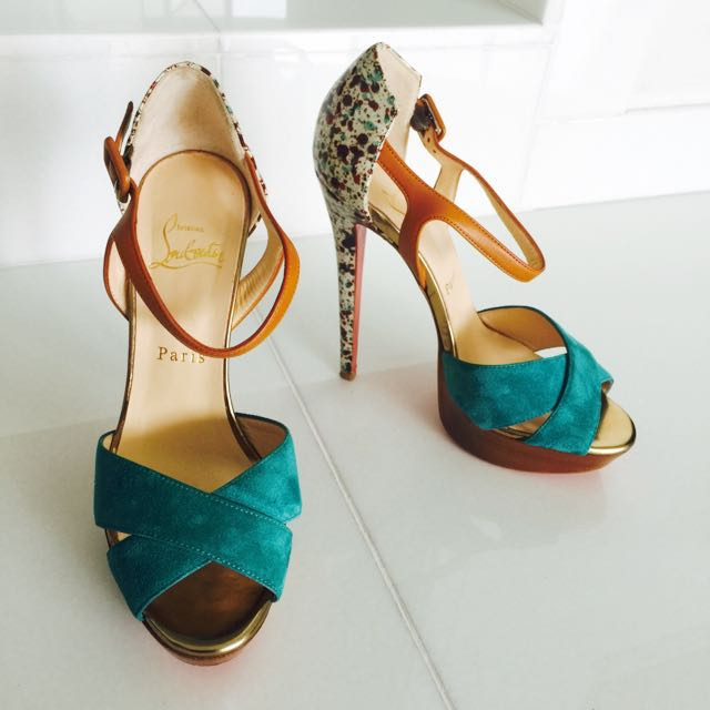 huge discount ab742 163fd Preloved Christian Louboutin Multicolor Heels