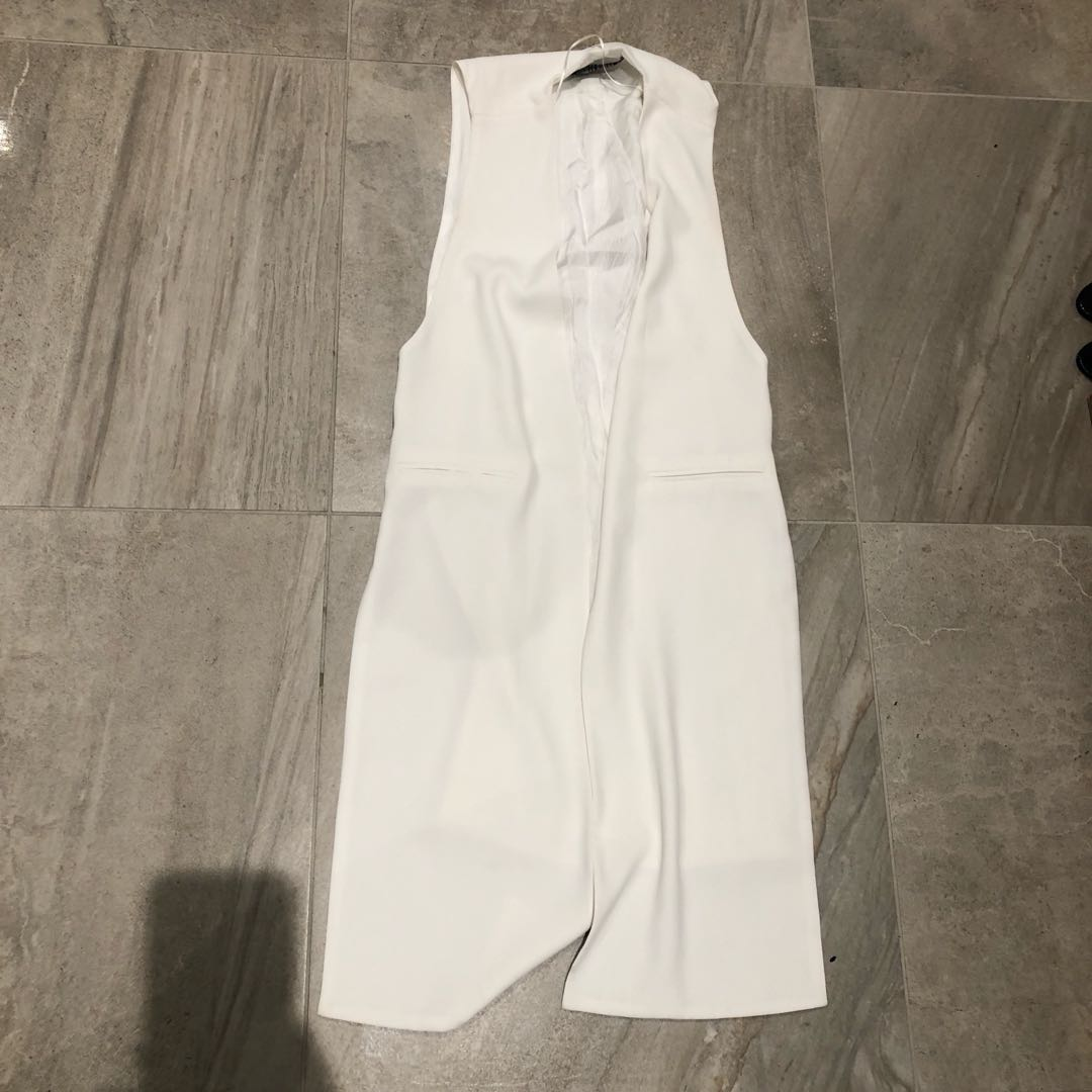 White Zara sleeveless jacket
