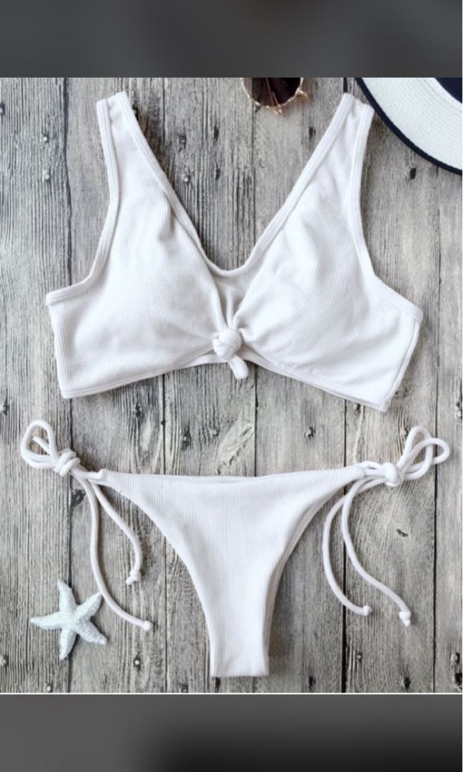 73f2277ec842 Zaful Ribbed Knotted Bikini in White (S), Women's Fashion, Clothes ...