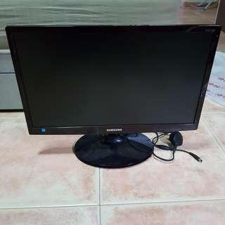 "21.5"" Samsung Monitor S22C300B"