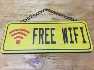 "Hiasan Dinding Kayu Popart ""Free Wifi"""