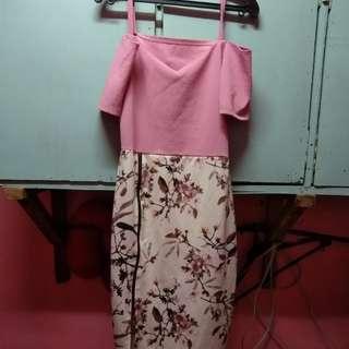 Off shoulder Pink floral dress with slit