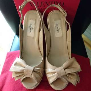 Valentino nude wedges size 37 楔形鞋