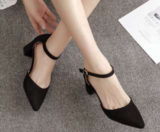 CLOSED POINT TOE SUEDE HEELS