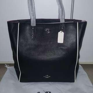 Coach leather tote bag (black )