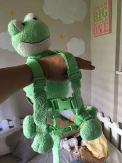 Goldbug frog harness buddy