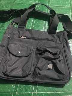Girbaud sling bag not kipling lesportsac