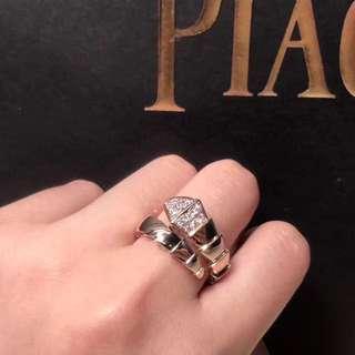 Bvlgari 鑽石蛇戒指