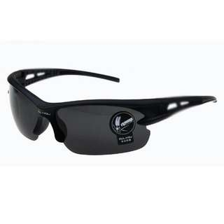 Kacamata Sepeda atau Motor /Hitam