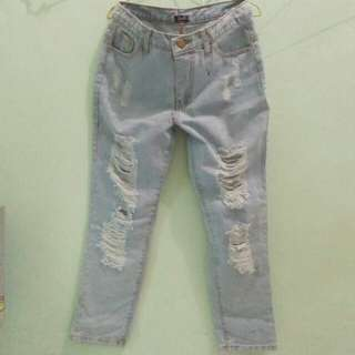 riped jeans 30