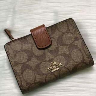 women wallet coach