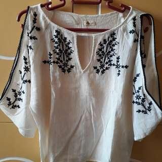 Hollister cold shoulder summer blouse