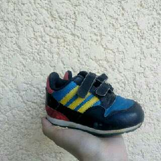Authentic toddlers adidas sneakers shoes