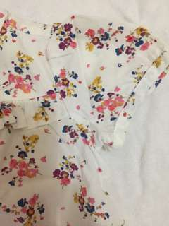 BABY OLD NAVY: Floral top (3-6 months)