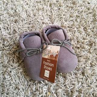 Baby Shoes (Grey) 13cm