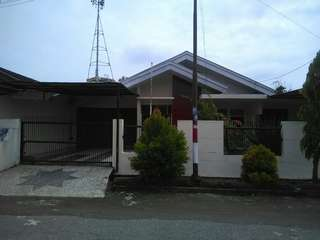 Rumah di jual luas tanah 320M,lokasi perum bukit sejahtera Palembang.hubungi WA 082282329449