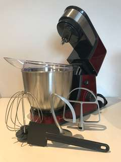 Red benchtop mixer (6 speeds with whisk, paddle, and hook attachments + splash guard + spatula)