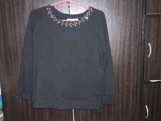 Long sleeves black top