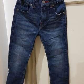 GUESS skinny maong pants