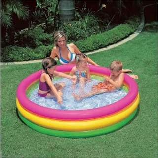 Swimming pool portable