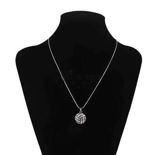 CRYSTAL VOLLEYBALL CHAIN NECKLACE